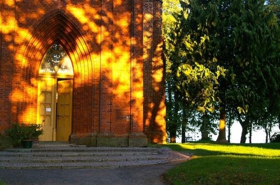 church-1010300_640