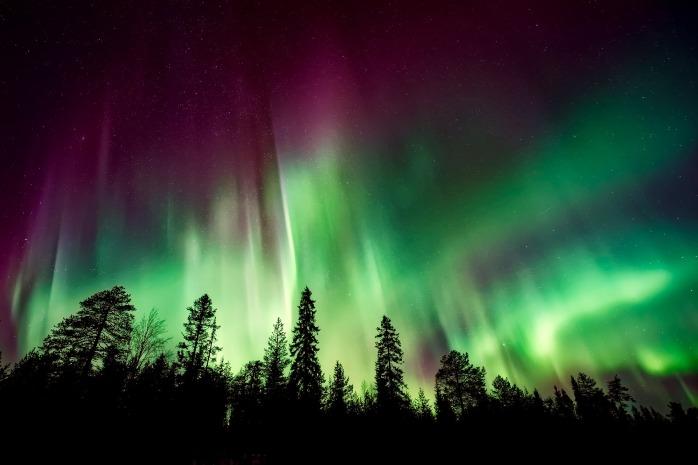 aurora-borealis-2647474_1920