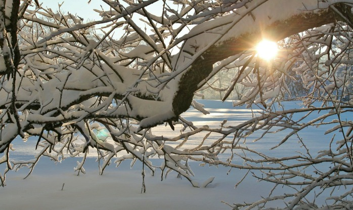 snow-383875_1920