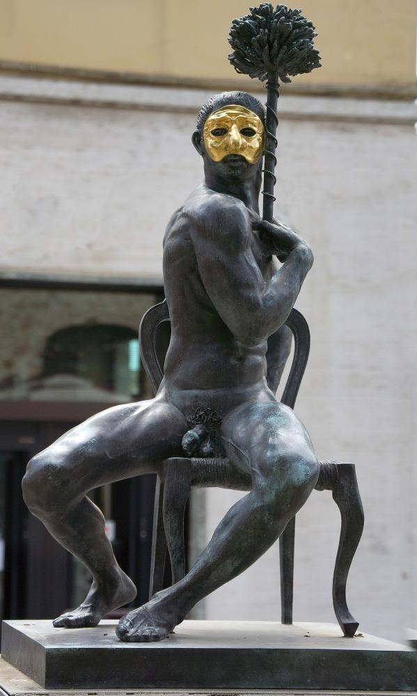statue-2836945_1920