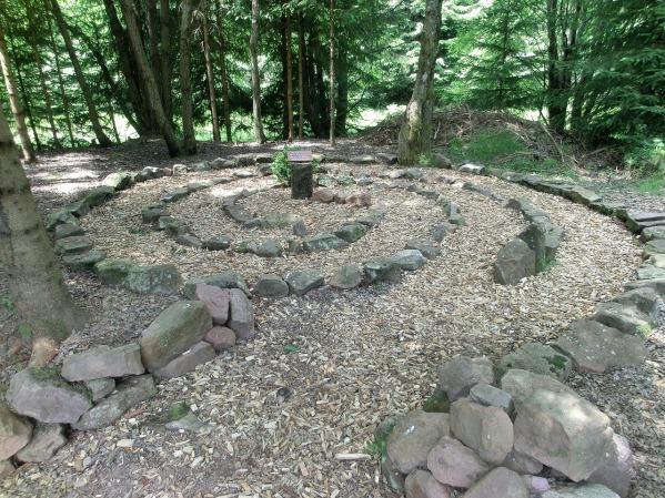 labyrinth-1154846_1280