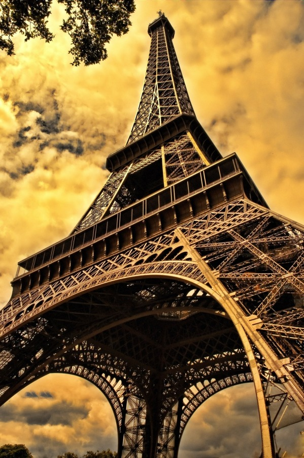 the-eiffel-tower-103417
