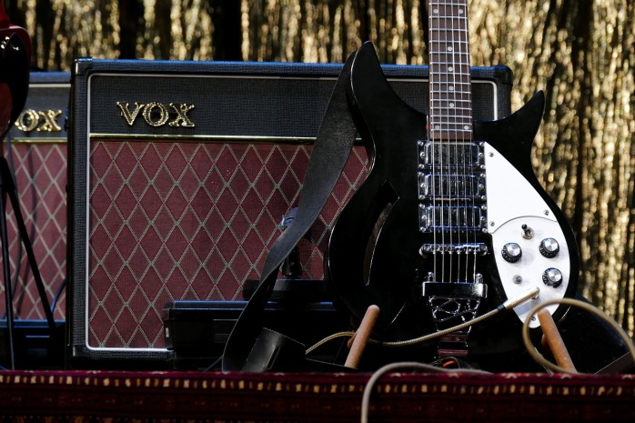 guitar-3131893_1280