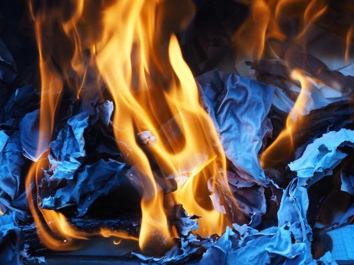 flame-fire-ash-campfire-bonfire-heat-1048109-pxhere.com