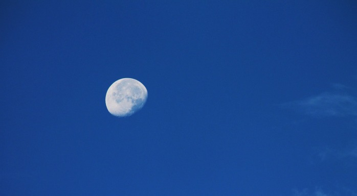 moon-1538068_1280