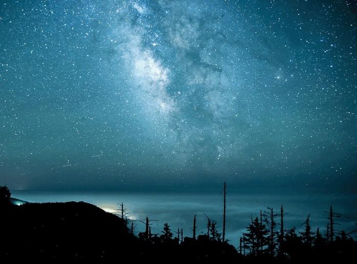 stars-889124_1280