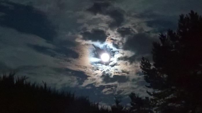 moon-2721064_1280