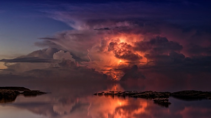 thunderstorm-3440450_1280