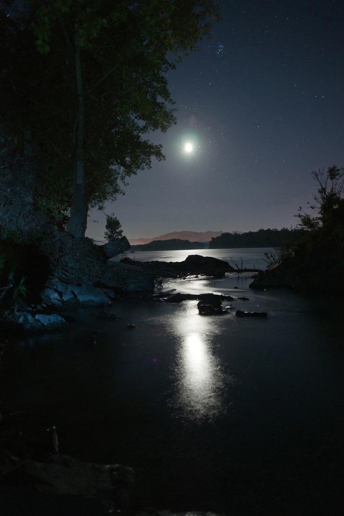 night-1991590_1280